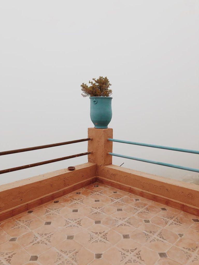 Jak powinna być wybierana osłona balkonowa?