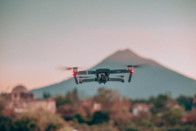 Lubisz latać dronem?