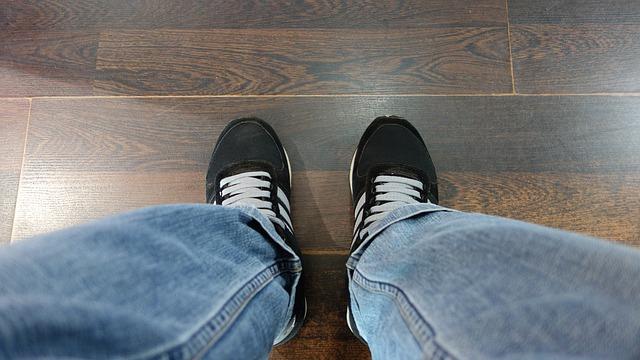 Podłogi w domu – rodzaje i zastosowanie