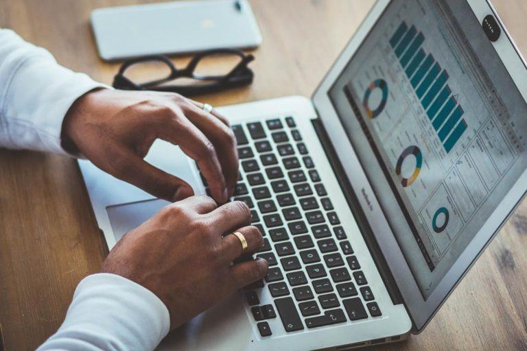Do czego służą internetowe rankingi, jak z nich korzystać?